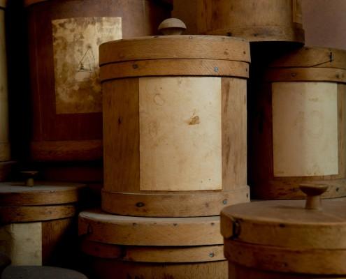 Schnapsmuseum - antike Kräuter, Gewürze und Drogen